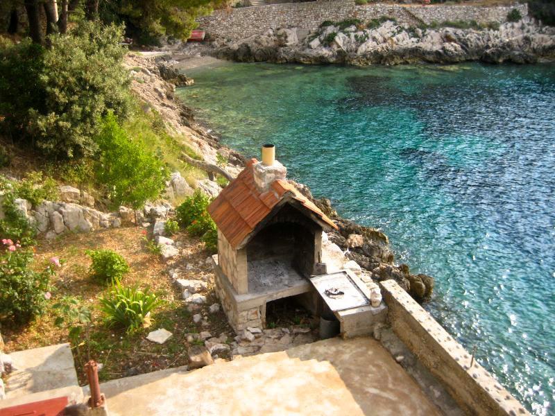 Dovolená Chorvatsko - robinzonáda Artemis - Ostrov Hvar