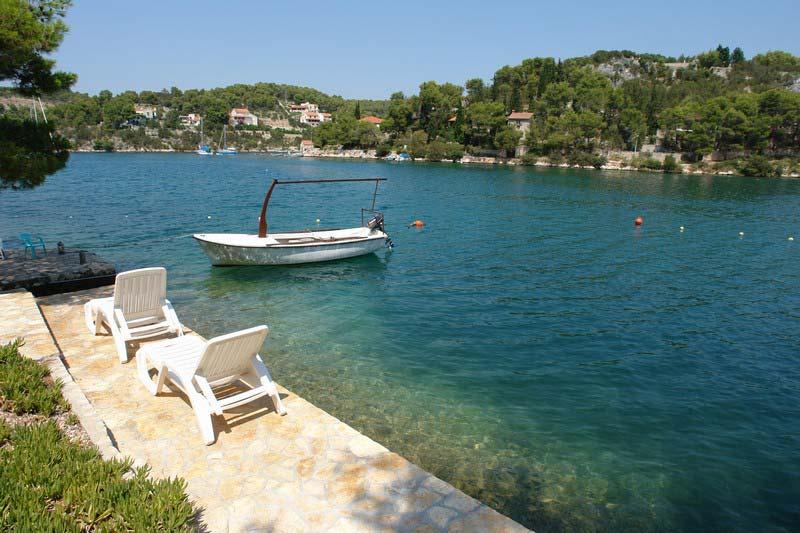 Dovolen� u mo�e v Chorvatsku - l�to 2015 - Apartm�ny Batida p��mo u mo�e na ostrov� Bra�