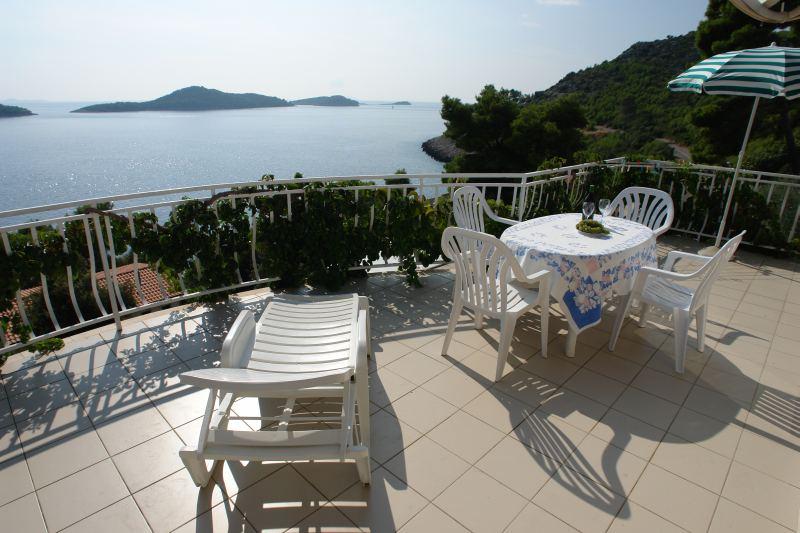 Dovolená u moře - Chorvatsko - léto 2015- Apartmány Amadea na ostrově Korčula